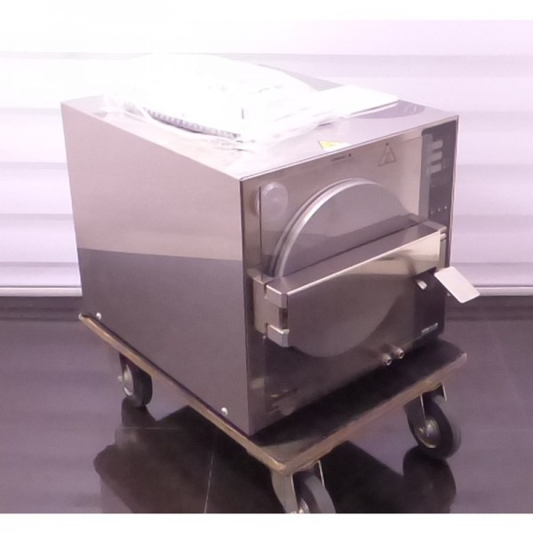 Dental X Axyia Plus B Dampfsterilisator