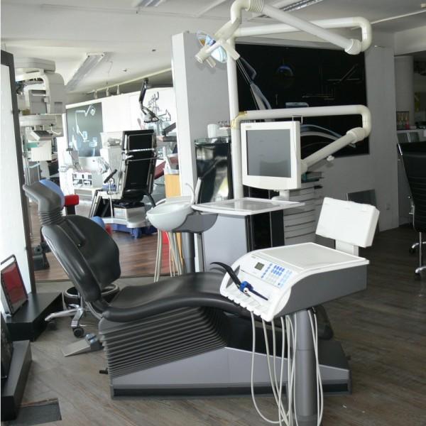 Sirona M1+ Plus Behandlungseinheit Intraoralkamera